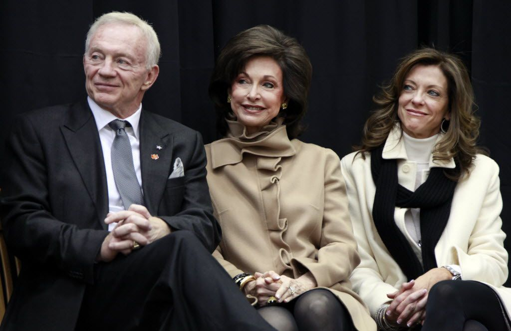 Jerry Jones, Gene Jones and Charlotte Jones Anderson at a press conference in Arlington.