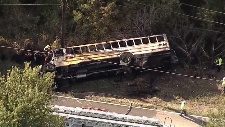 Una niña murió tras un accidente de un autobús escolar de Mesquite ISD. NBC5