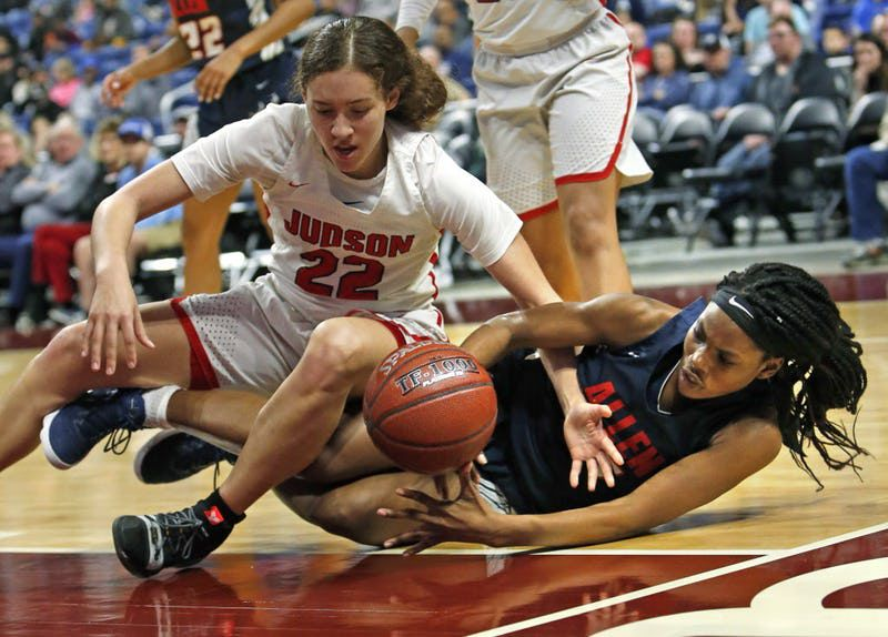Allen's Chelsea Okusagah fights for a loose ball with Judson's Kyra White,top. Judson v Allen in 6A semi-finals on Friday March 1, 2019 at the Alamodome in San Antonio,Texas. ( Ron Cortes/ Special Contributor) ORG XMIT: 10043970A