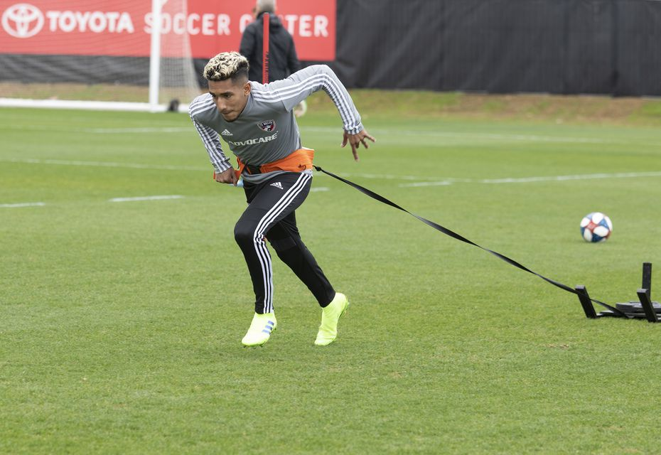 Jesus Ferreira does a strength drill in FC Dallas training.