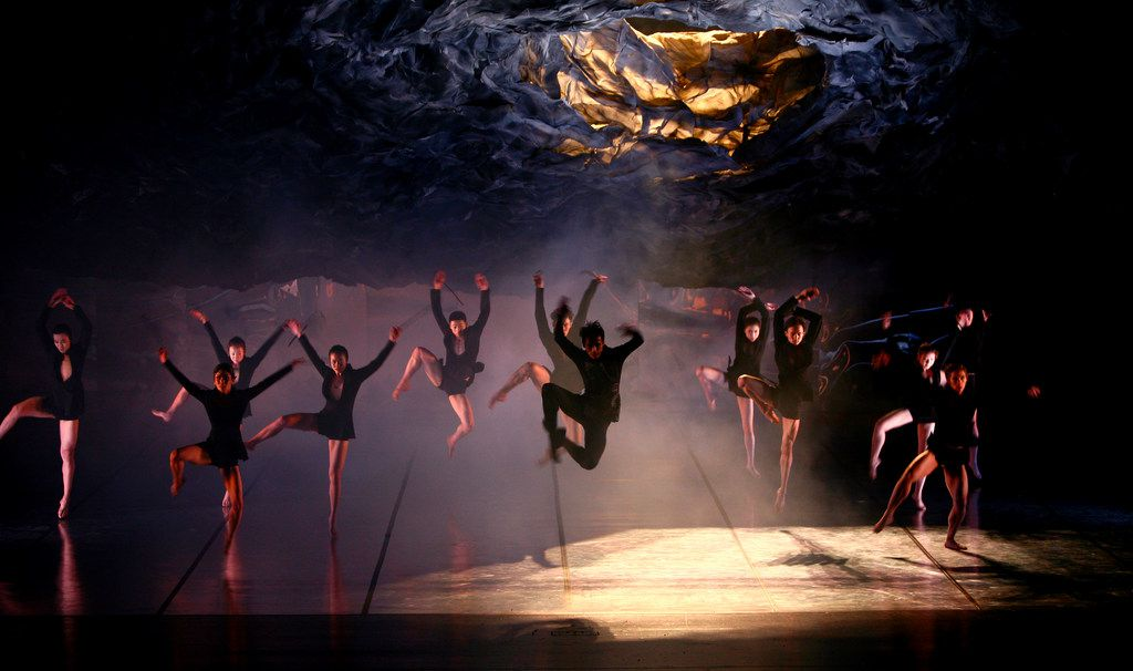 Inspired by the 2006 film, The Banquet, for which she created the choreography, Beijing Dance Theater artistic director Wang Yuanyuan devised her own version of Shakespeare's Hamlet in 2013.