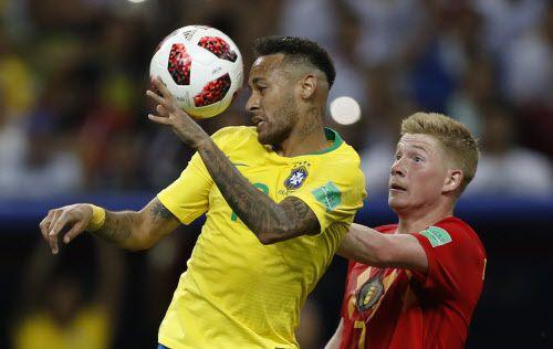 Neymar y Brasil se cruzaron con Bélgica en cuartos de final del Mundial. Foto AP