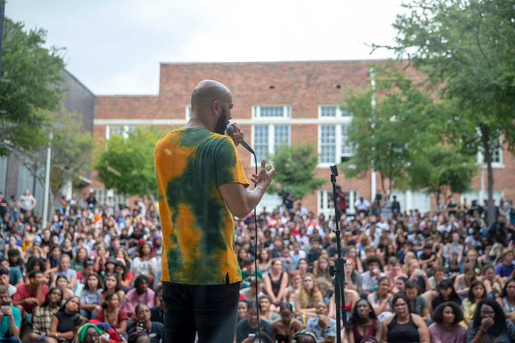 Rapper Common talks to students at Booker T. Washington High School for the Performing and Visual Arts in Dallas on Wednesday, August 28, 2019. (Shaban Athuman/Staff Photographer)