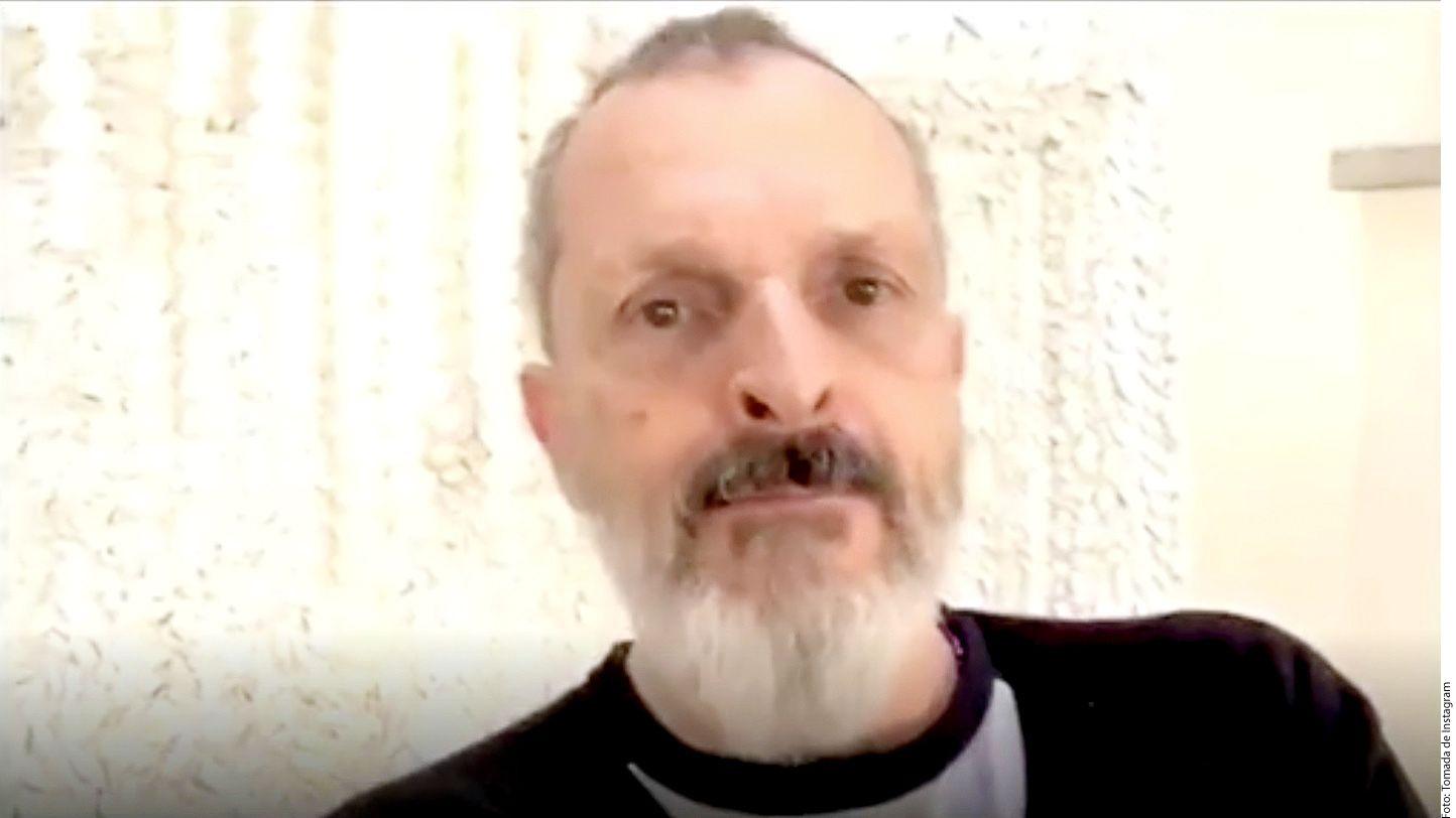Después del mensaje de Año Nuevo de Miguel Bosé, los usuarios de las redes no tardaron en comentar la publicación preocupados por la voz y los rasgos afilados del cantante, quien también lucía una barba más larga de lo habitual./ AGENCIA REFORMA