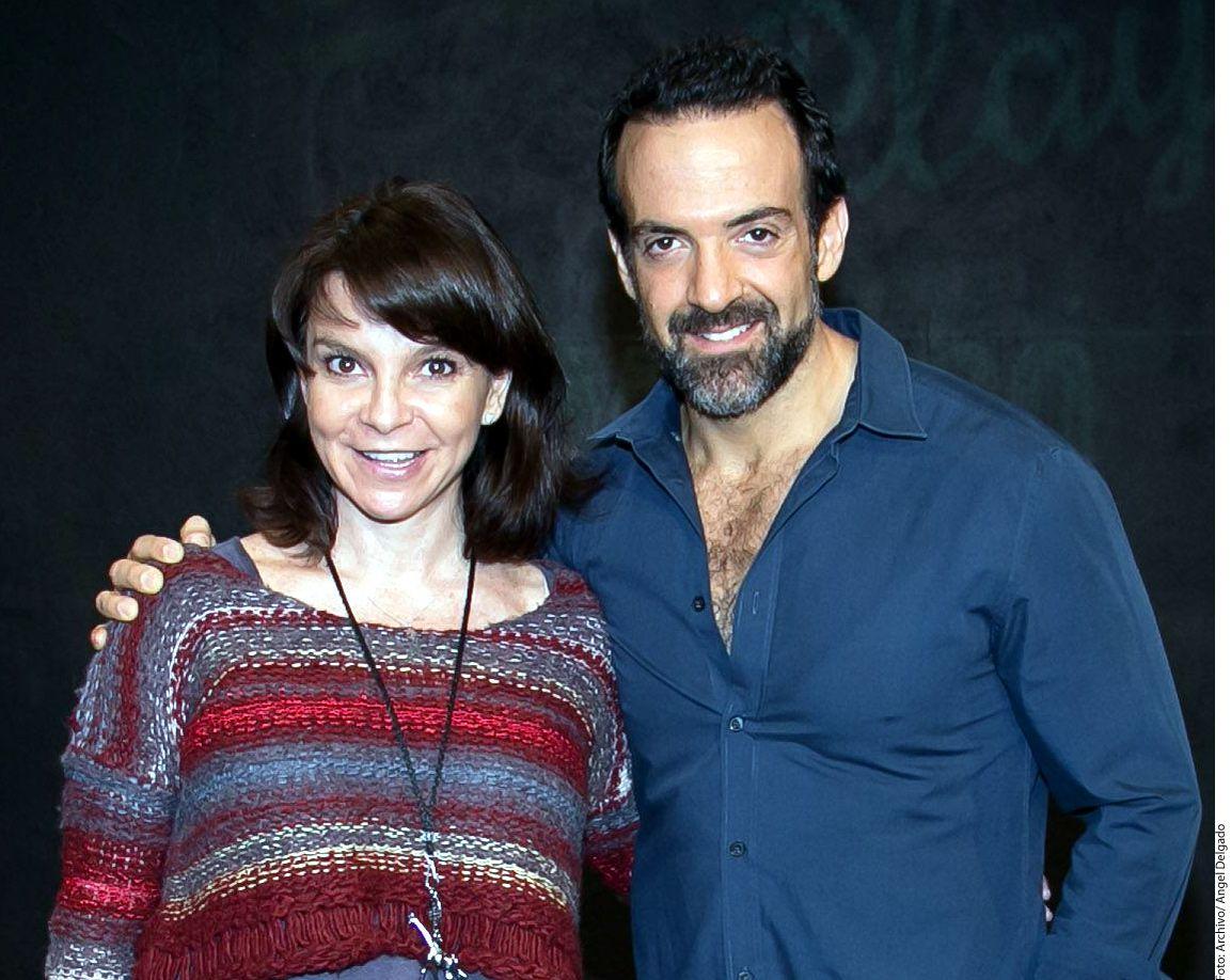 El actor Pablo Perroni (der.) rechazó las etiquetas y dijo que se puede enamorar de otro hombre o de otra mujer./ AGENCIA REFORMA