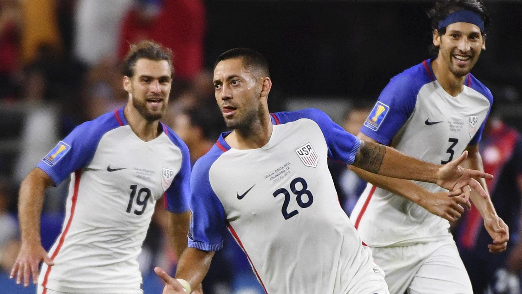 Clint Dempsey (28) es junto a Landon Donovan los máximos anotadores de la selección de Estados Unidos con 57 tantos. (AP/Jeffrey McWhorter)