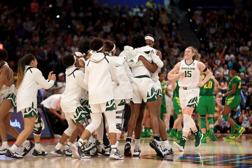 TAMPA, FLORIDA - APRIL 05:  The Baylor Lady Bears celebrate their 72-67 win over the Oregon Ducks in the semifinals of the 2019 NCAA Women's Final Four at Amalie Arena on April 05, 2019 in Tampa, Florida. (Photo by Mike Ehrmann/Getty Images)