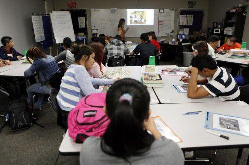 La Academia para Recién Llegados del Irving ISD aspira a darles apoyo a jóvenes inmigrantes. BEN TORRES/ESPECIAL PARA AL DÍA