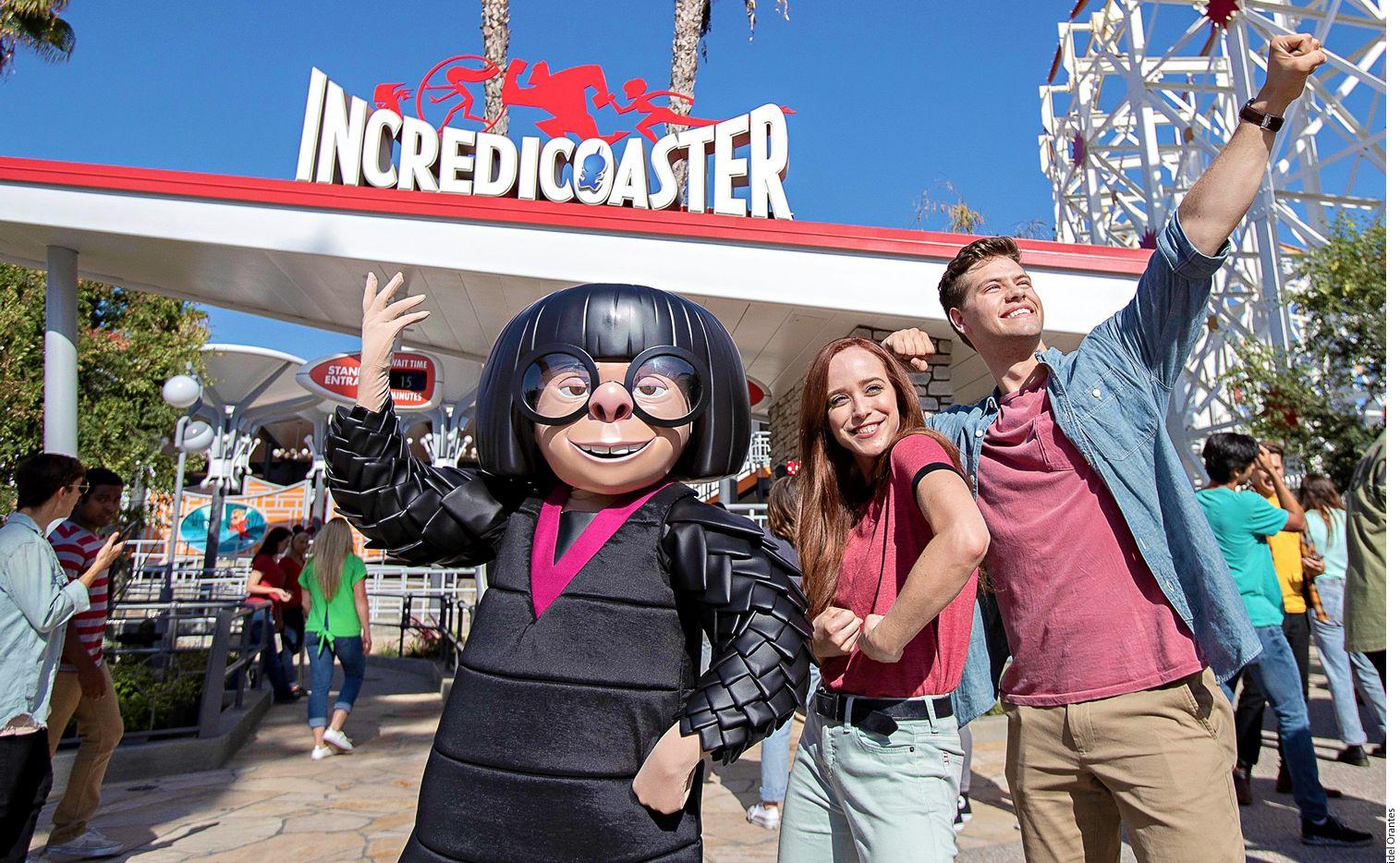 """Sin con tanto ir y venir, de pronto te desorientas y ya no sabes cómo regresar a Pixar Pier, por donde pasará el desfile """"Paint the Night"""", con su recién incluido carro alegórico de Los Increíbles."""
