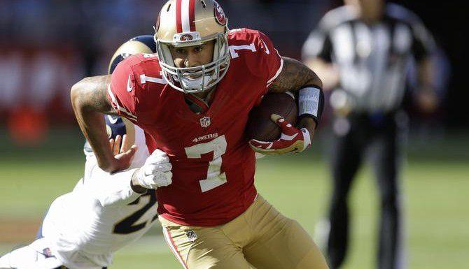 El mariscal Colin Kaepernick y los 49ers de San Francisco llevan marca de 4-4 en la temporada. (AP/BEN MARGOT)