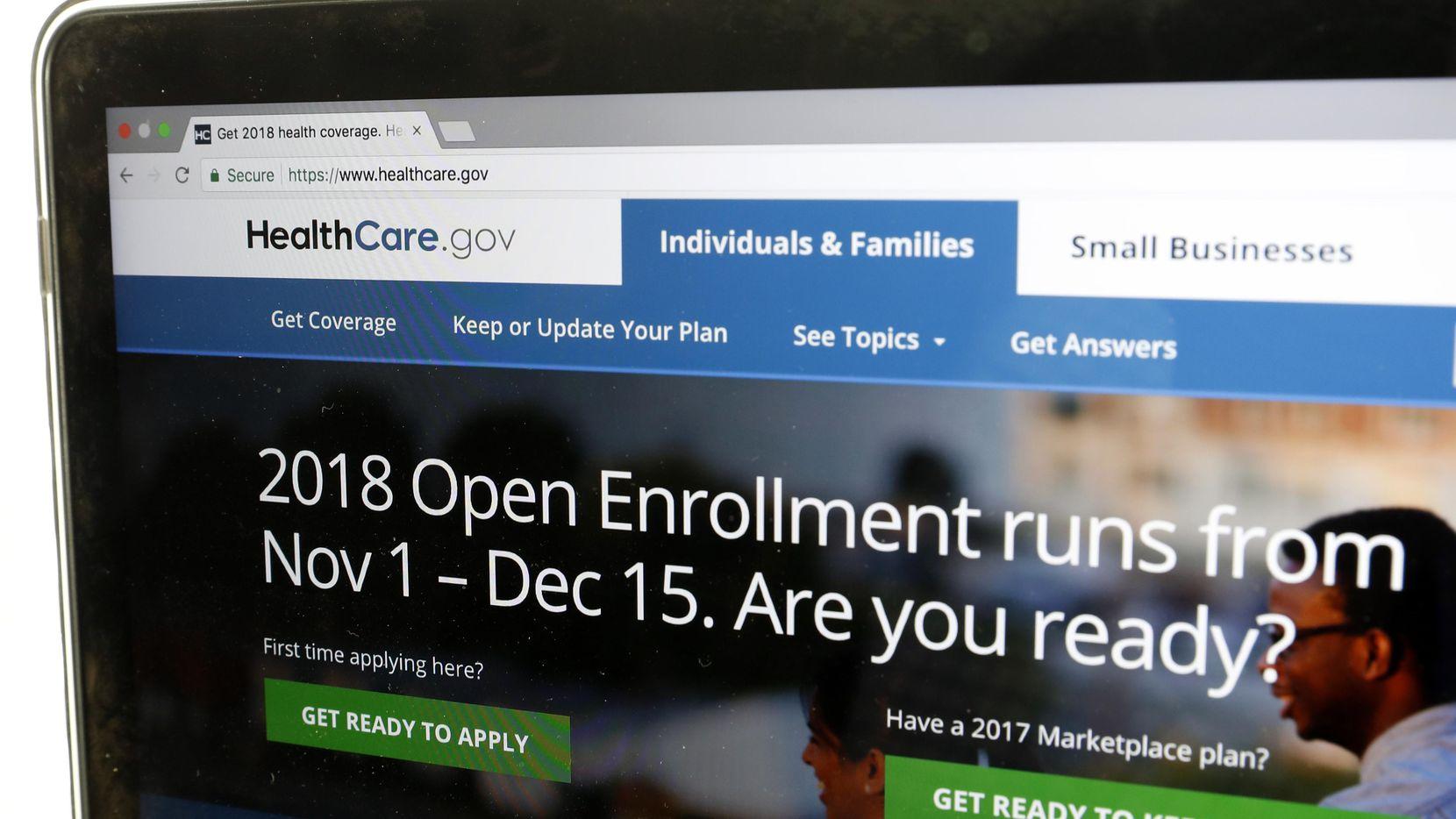 El sitio web de CuidadoDeSalud.gov tiene la información sobre el seguro de este año. AP
