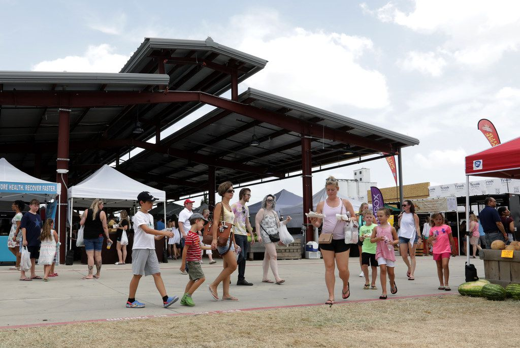 Frisco Fresh Market features an outdoor covered pavilion.
