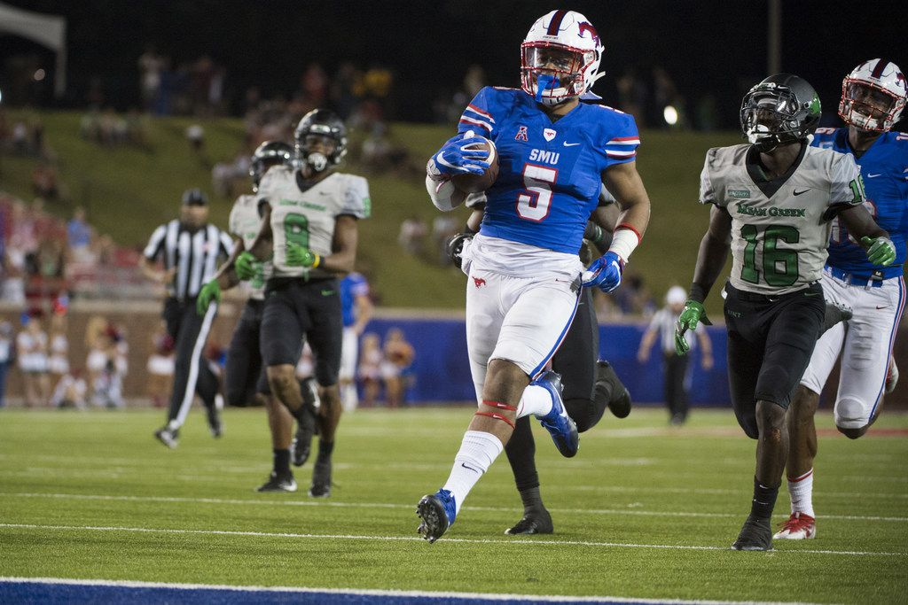 DALLAS, TX - SEPTEMBER 9:  Xavier Jones #5 of the SMU Mustangs breaks free for a 47 yard touchdown run against the North Texas Mean Green during the second half at Gerald J. Ford Stadium on September 9, 2017 in Dallas, Texas.  (Photo by Cooper Neill/Getty Images)