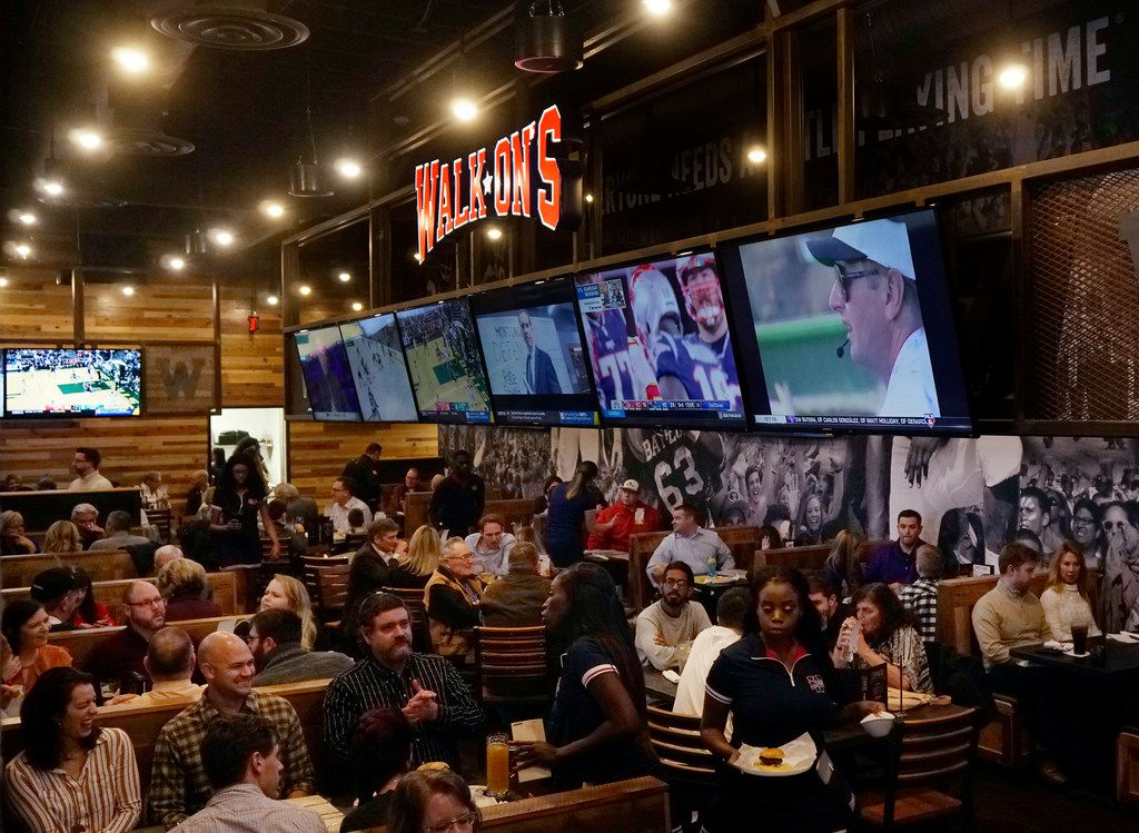 It was a packed house at Walk-On's Bistreaux & Bar in Irving, Texas on Saturday January 19, 2019.