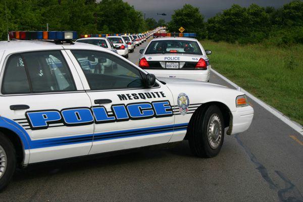La policía de Mesquite investiga tiroteo en la I-30 donde una mujer quedó herida en la cabeza.