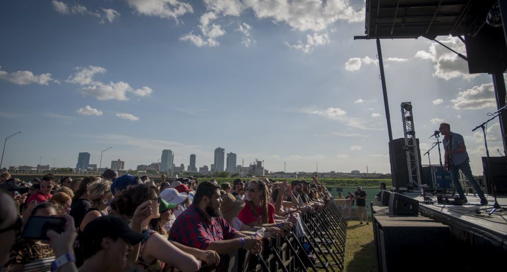 On the cusp of downtown Fort Worth Toadies fans enjoy music and craft beer at Martin House Brewing Company on June 26, 2016.