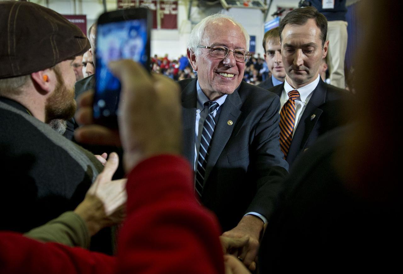 El senador Bernie Sanders sacó amplia ventaja a Hillary Clinton en New Hampshire. (BLOOMBERG/ANDREW HARRER)