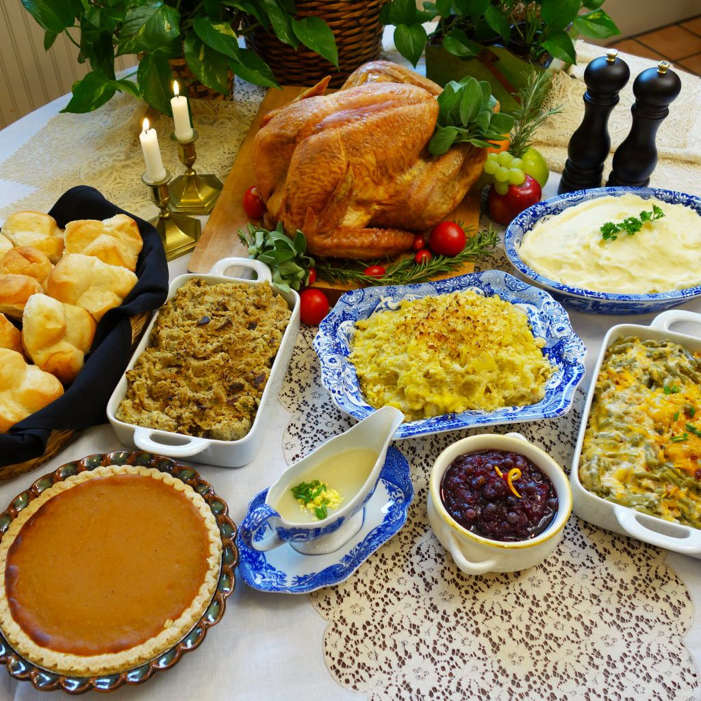 Highland Park Cafeteria's Thanksgiving special includes roasted turkey, cornbread dressing, green bean casserole, pumpkin pie and more.