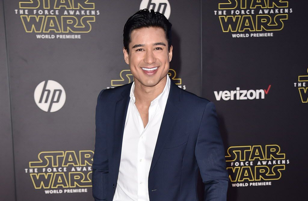"""Mario Lopez arrives at the world premiere of """"Star Wars: The Force Awakens"""" at the TCL Chinese Theatre on Monday, Dec. 14, 2015, in Los Angeles."""