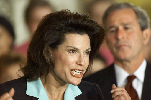 Nancy Brinker, founding chairwoman of Race for the Cure, thanked President George W. Bush and first lady Laura Bush for their support in breast cancer research at the White House in June 2001.