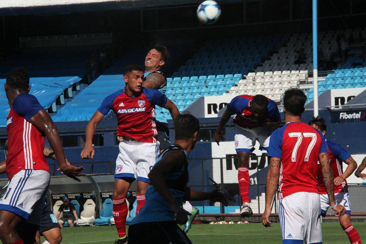 FC Dallas empató 1-1 con Racing, en uno de los amistosos que disputó en Buenos Aires. (CORTESÍA/RACING CLUB)