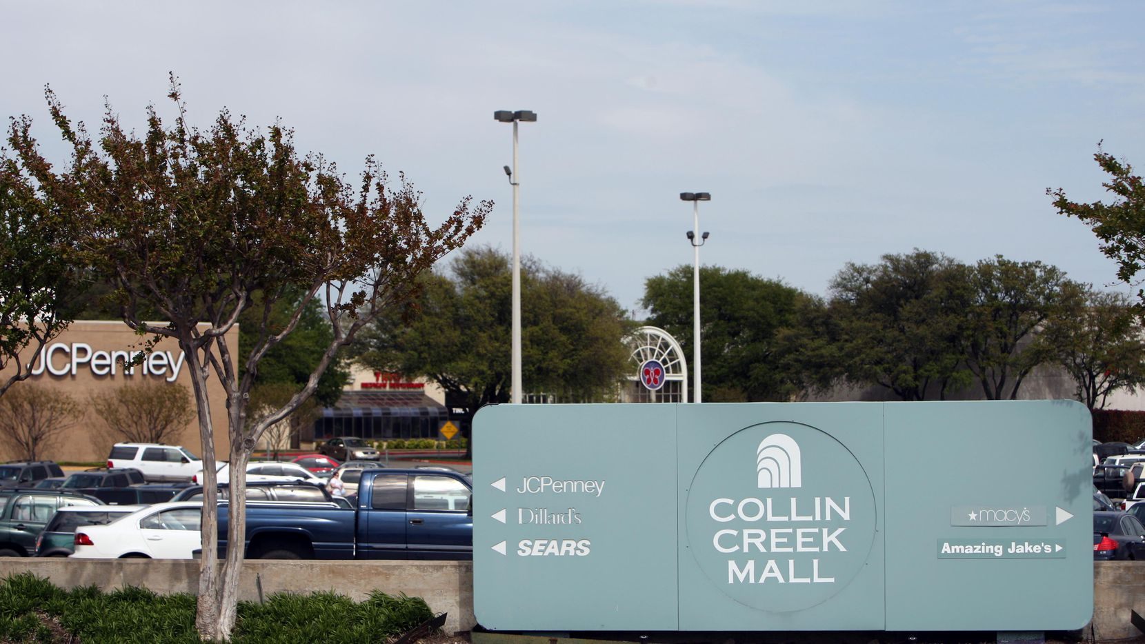 Mehrdad Moayedi's Centurion American Development Group is making a play to acquire Plano's Collin Creek Mall.