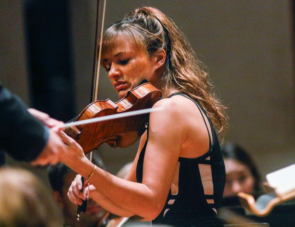 Nicola Benedetti was the guest violinist at the Dallas Symphony Orchestra concert Thursday.