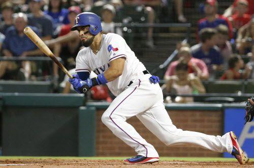 Robinson Chirinos (61) de los Texas Rangers jugará partidos de exhibición junto a otros peloteros de Grandes Ligas en Japón. (Louis DeLuca/The Dallas Morning News)