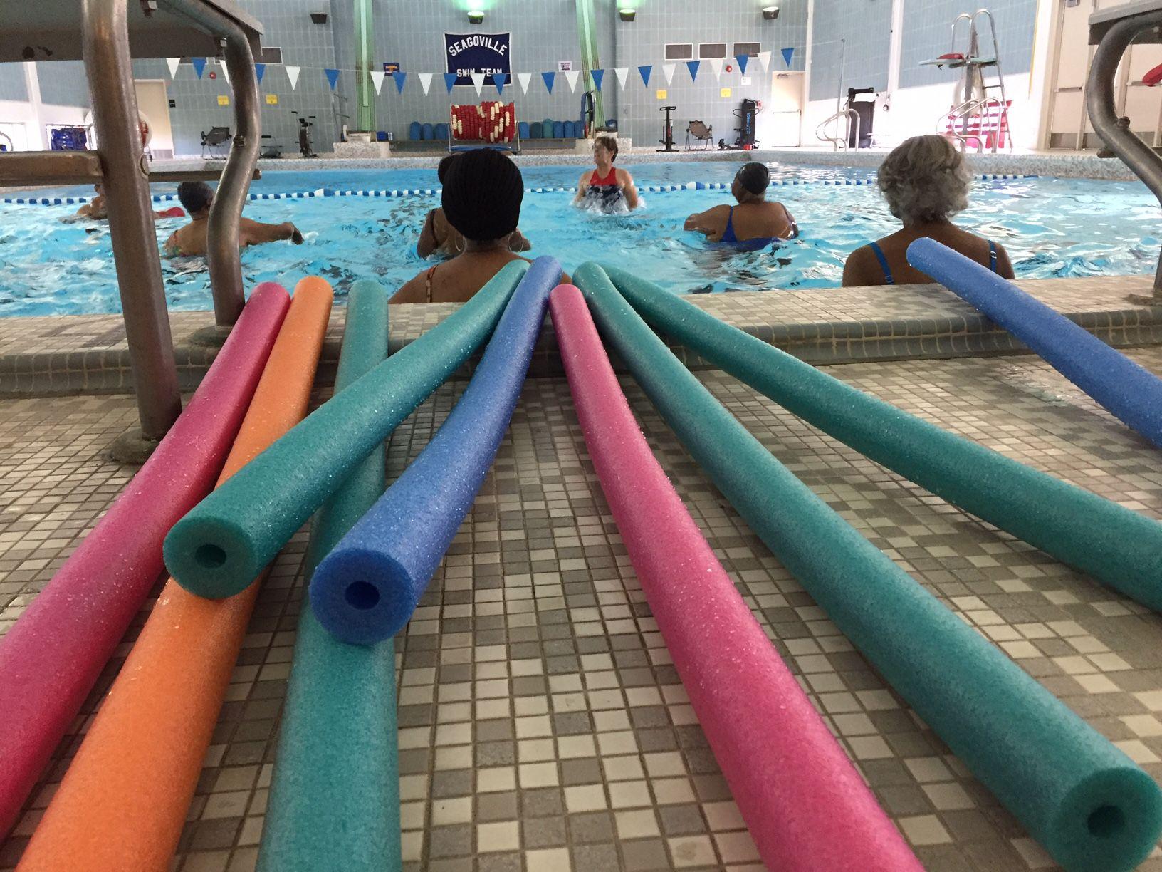 Alianza entre el DISD y la ciudad de Dallas busca que estudiantes y adultos de la tercera edad tengan más acceso a clases de natación y actividades acuáticas. (ANA AZPURUA/AL DÍA)