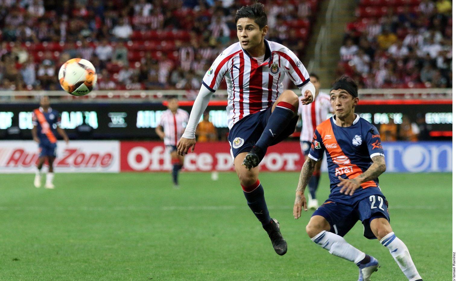 Javier Eduardo 'Chofis' López espera tener un mejor año con el Guadalajara. Foto Agencia Reforma