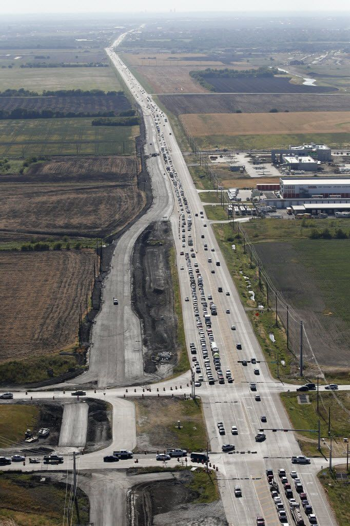 Construction had begun on expanding the lanes on Highway 380 at the intersection of Dallas North Tollway at the border of Frisco and Prosper on Aug. 11, 2016. (Vernon Bryant/The Dallas Morning News)