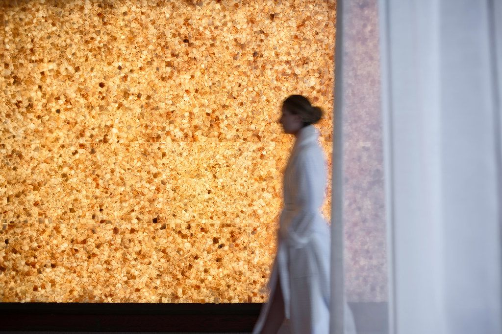 A Himalayan salt wall adds to the ambience at the Four Seasons Austin spa.