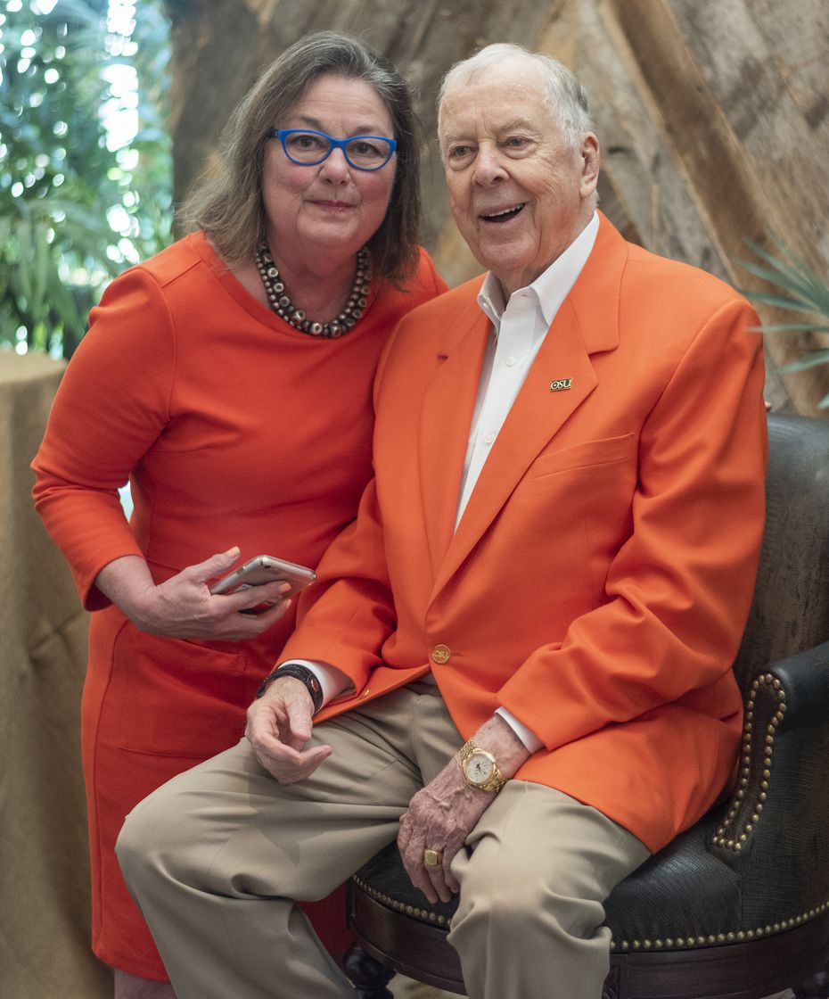 Cheryl Hall and T. Boone Pickens celebrated at his 90th birthday party.