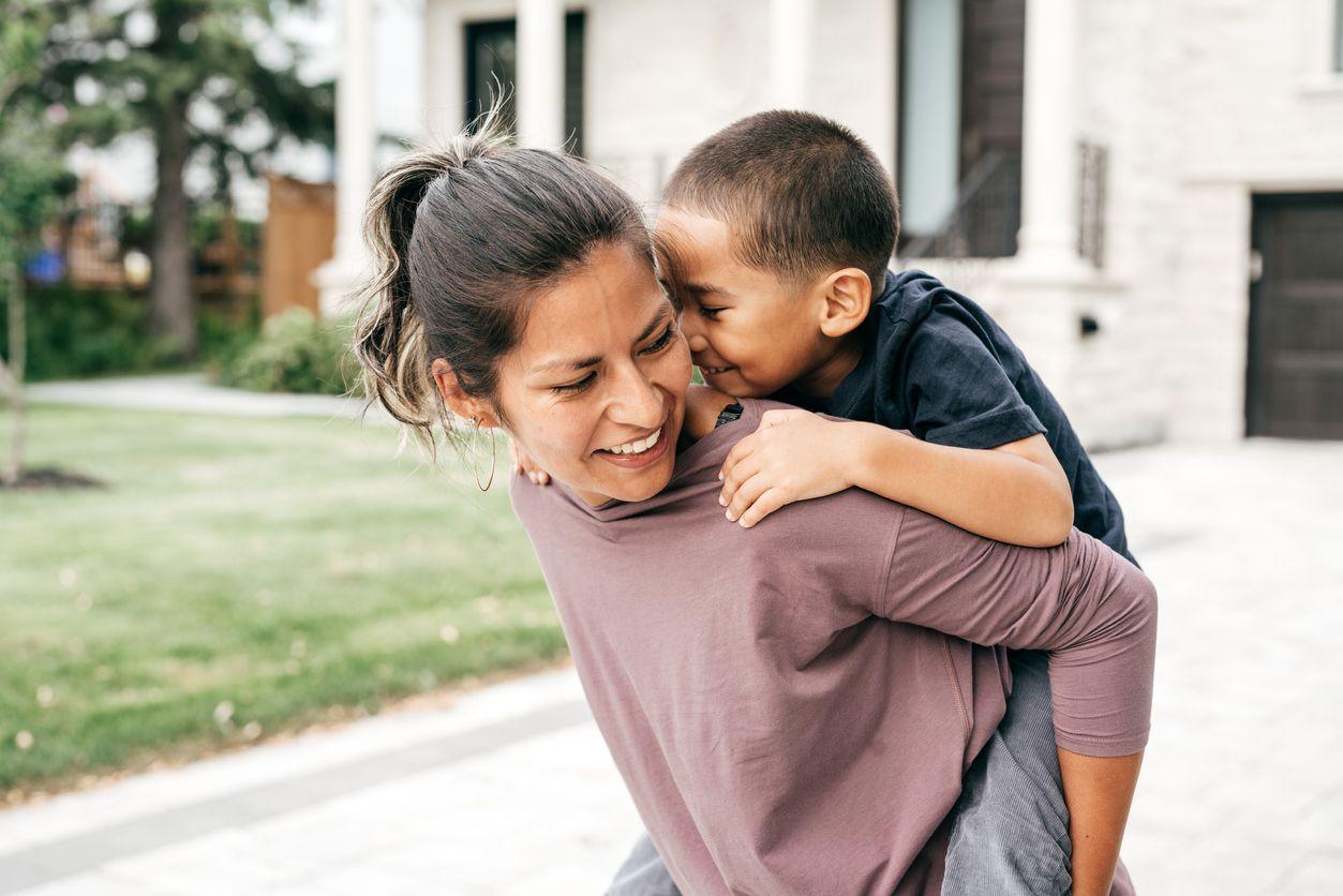 La presencia de una madre en el desarrollo emocional de sus hijos es principalmente importante durante sus primeros años. iSTOCK