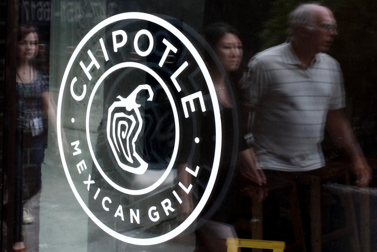 17 de 19 casos de personas infectadas con E. Coli habían comido en restaurantes Chipotle en Washington y Oregon. (AFP/GETTY IMAGES/KENA BETANCUR)