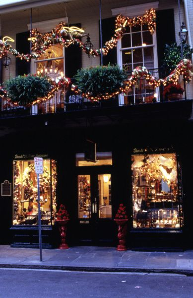New Orleans Christmas.Gorgeous Decorations Lively Entertainment And Fabulous