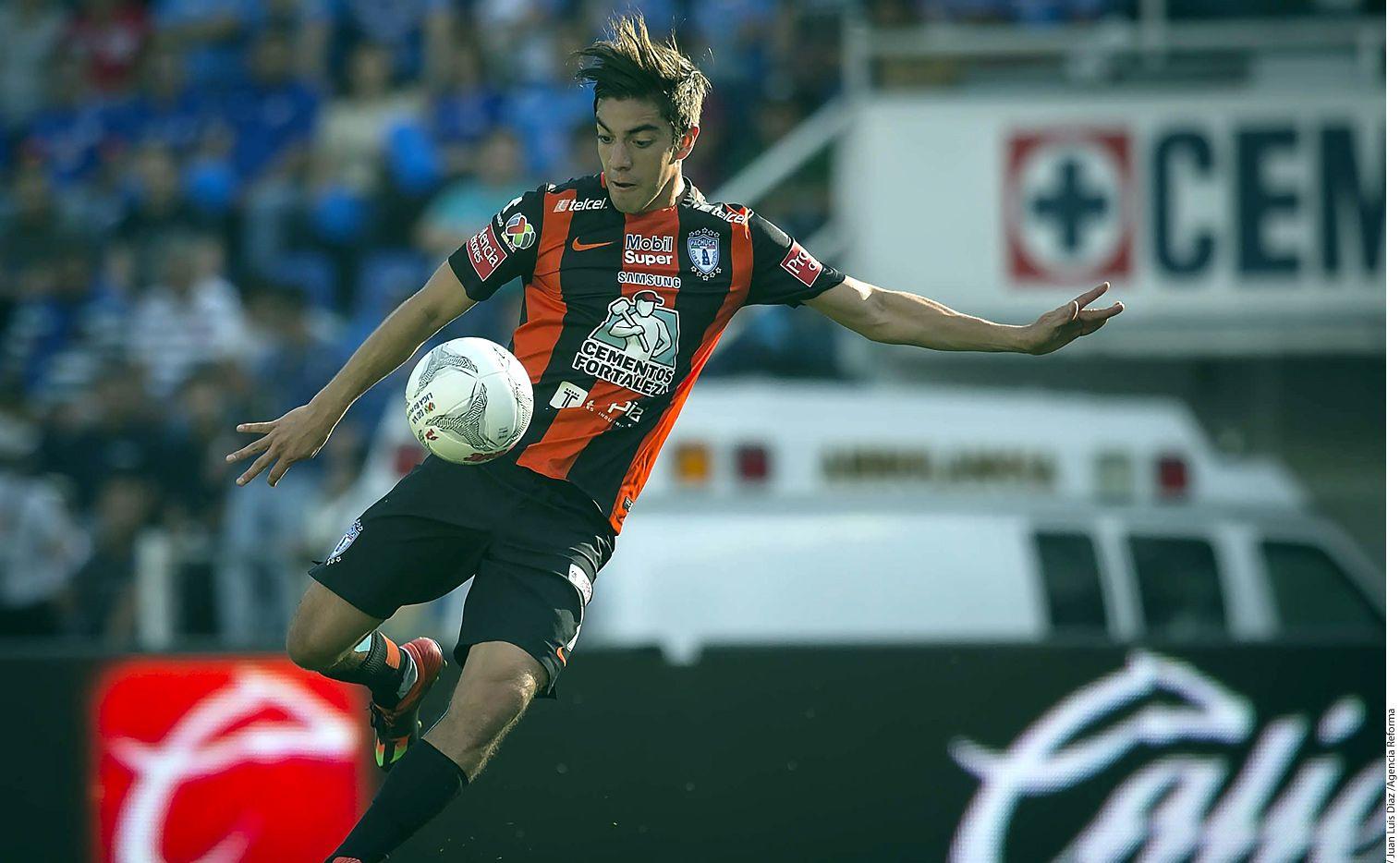De 22 años de edad, Rodolfo Pizarro proviene de la cantera del Pachuca, conjunto con el que debutó a los 18 años, lleva nueve torneos jugados en Primera División y fue pieza clave en el campeonato conseguido en el Clausura 2016. AGENCIA REFORMA