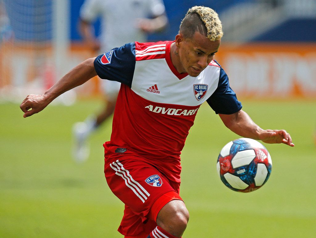 FC Dallas midfielder Michael Barrios (21) chases down a pass during the first half as FC Dallas hosted the San Jose Earthquakes at Toyota Stadium in Frisco on Saturday , April 27, 2019.  (Stewart F. House/Special Contributor)