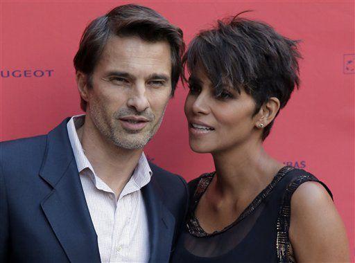 Después de dos años de matrimonio, la actriz Halle Berry buscará divorciarse de Oliver Martínez/ AP
