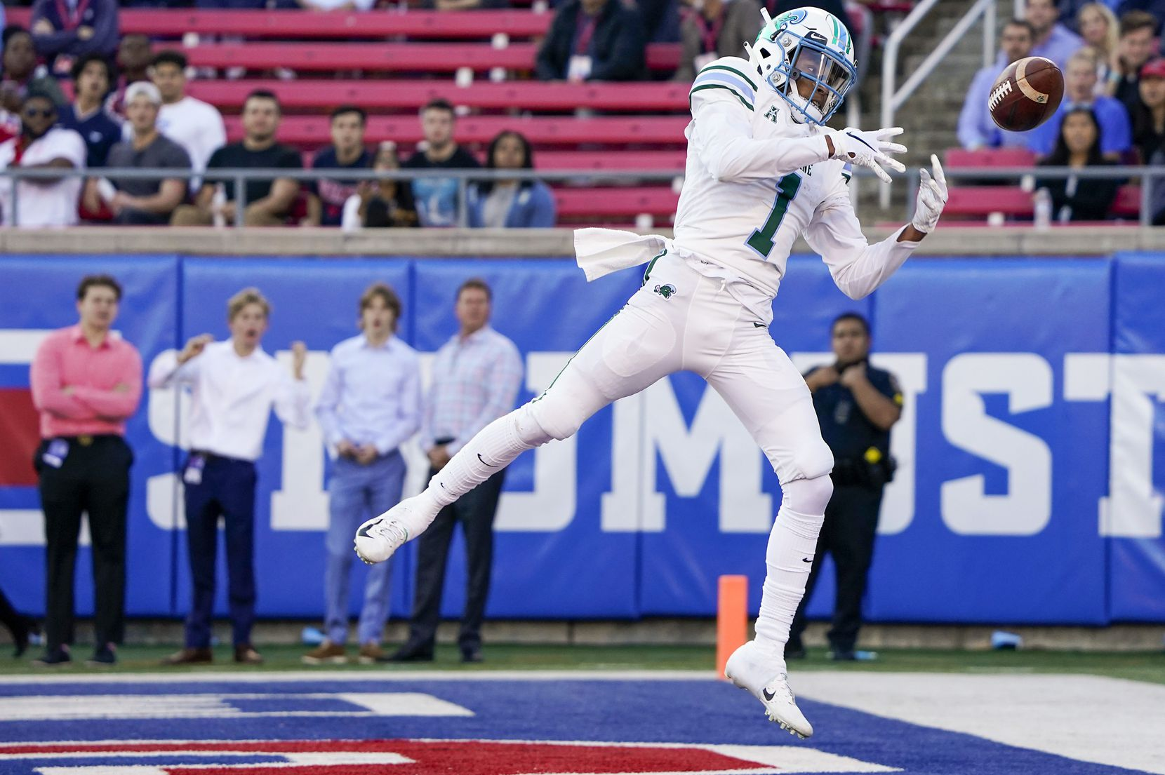 Tulane wide receiver Jalen McCleskey (1) canÕt make the catch on a pass in the end zone during the first half of an NCAA football game against SMU at Ford Stadium on Saturday, Nov. 30, 2019, in Dallas.
