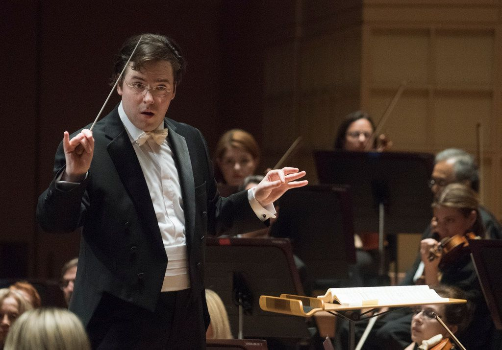 James Feddeck led the Dallas Symphony Orchestra  on Sept. 28.