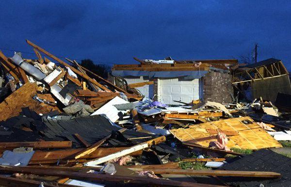Una vivienda destruída en Ovilla, en el Condado Collin.
