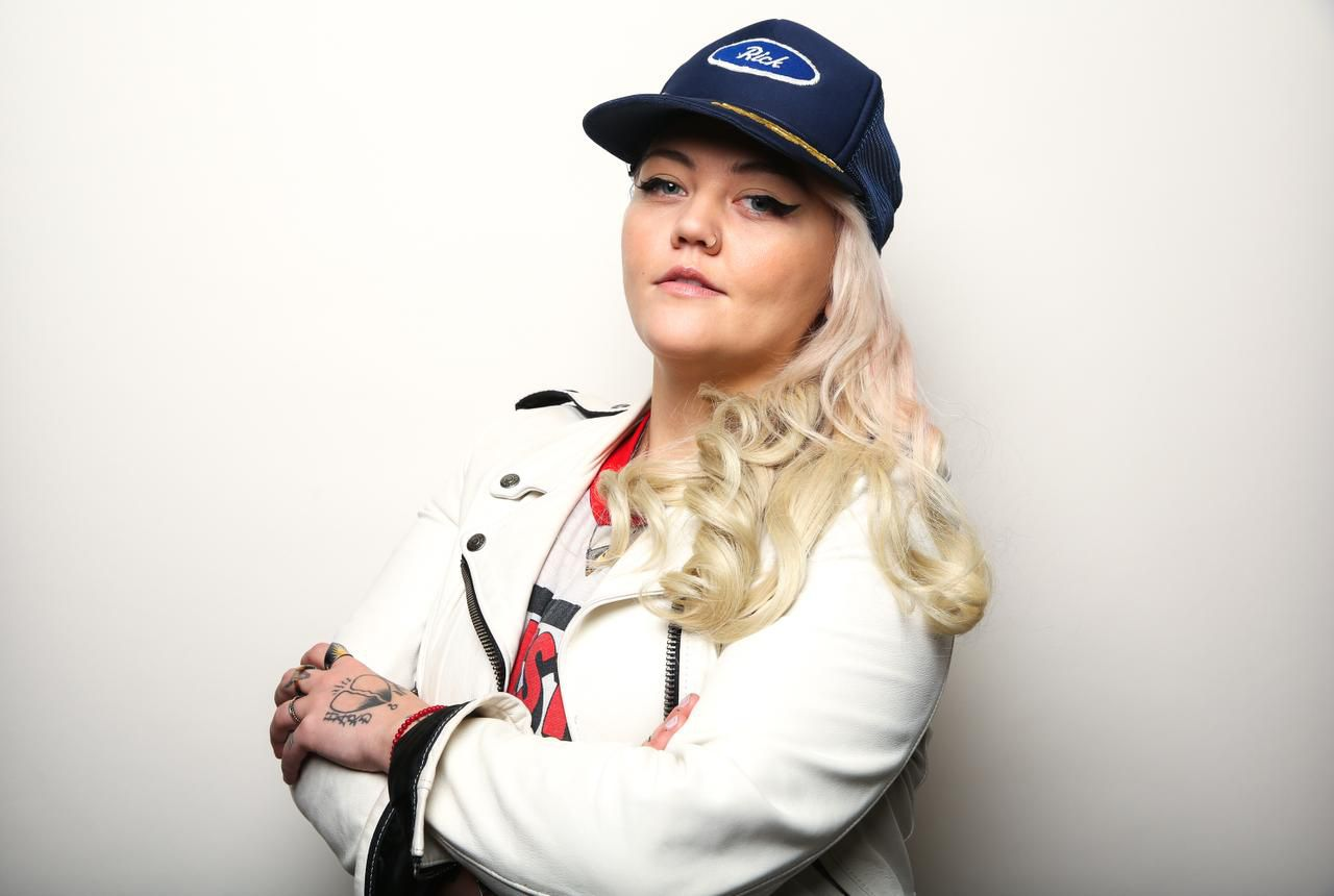"El tema ""Ex's and Oh's"" de Elle King ocupa el No. 12 de la lista de Hot 100 de Billboard . (RICH FURY/INVISION/AP/RICH FURY)"