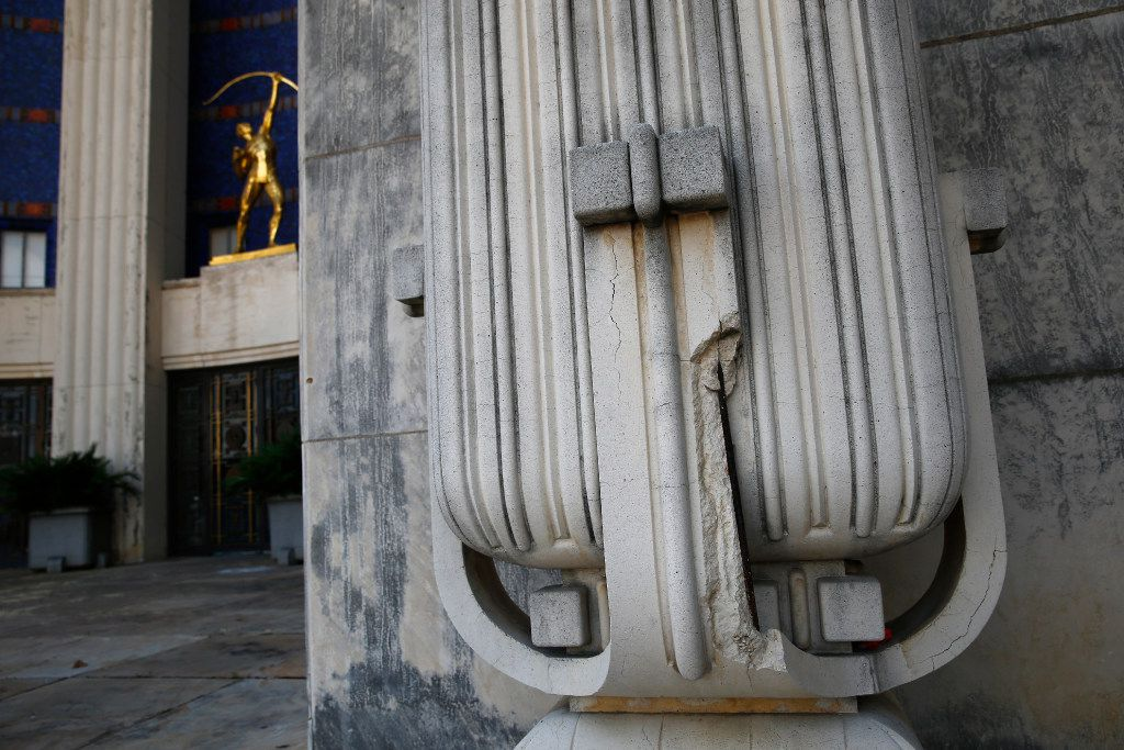 A crack in the concrete column on the exterior of The Hall of State building at Fair Park in Dallas on June 27, 2017. Dallas looks likely to sink $50 million into Fair Park in the bond package. (Nathan Hunsinger/The Dallas Morning News)