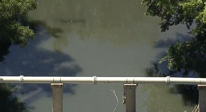 Más de un millón de agua de desagüe va rumbo al White Rock Lake.