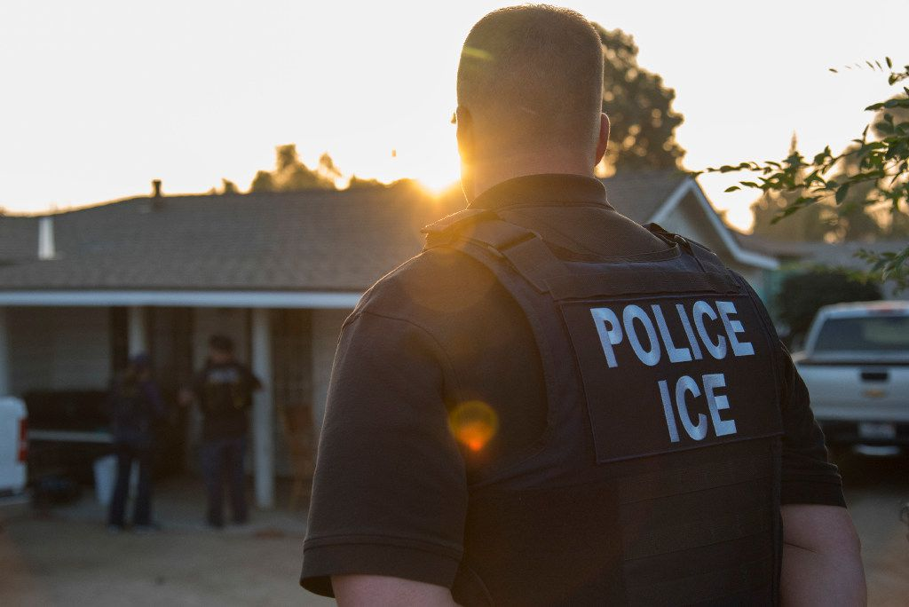 Immigration and Customs Enforcement agents after a predawn raid that failed to capture their target, in Riverside, Calif., June 22, 2017.