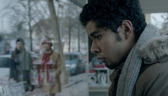 """Kristyan Ferrer protagoniza """"Buen Día, Ramón"""", sobre un inmigrante en Alemania.(CORTESÍA)"""
