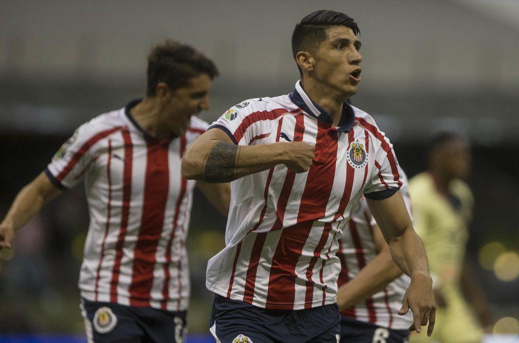 Alan Pulido y las Chivas jugarán por primera vez la ICC. (AP Photo/Christian Palma)