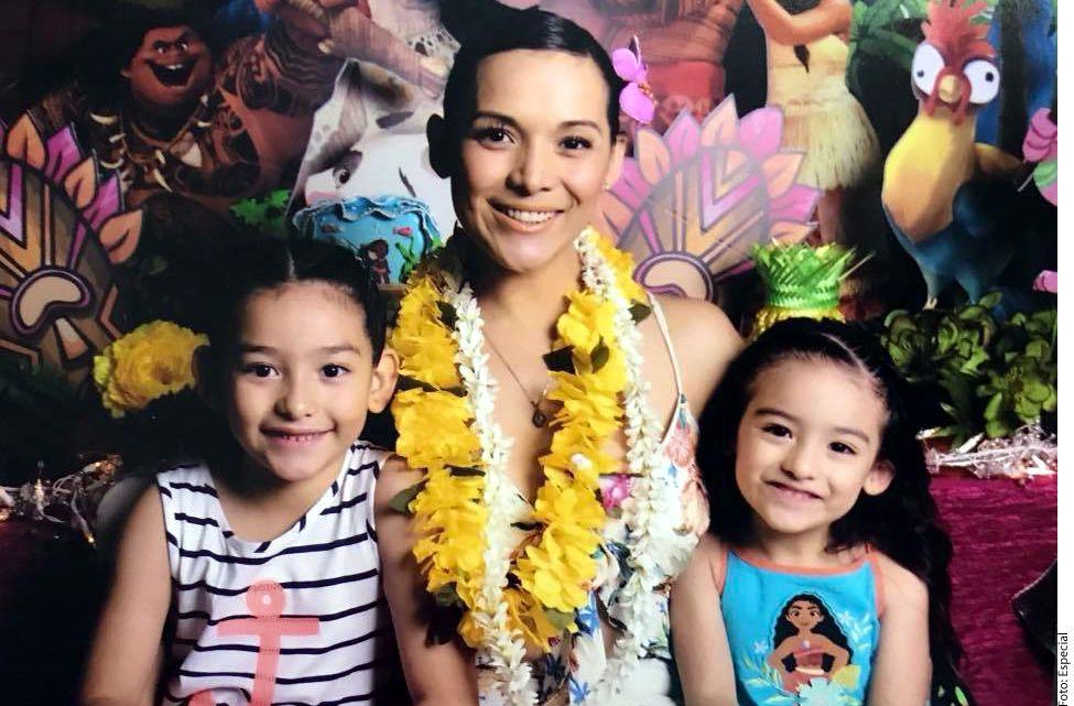 Karla Luna junto a sus hijas./AGENCIA REFORMA
