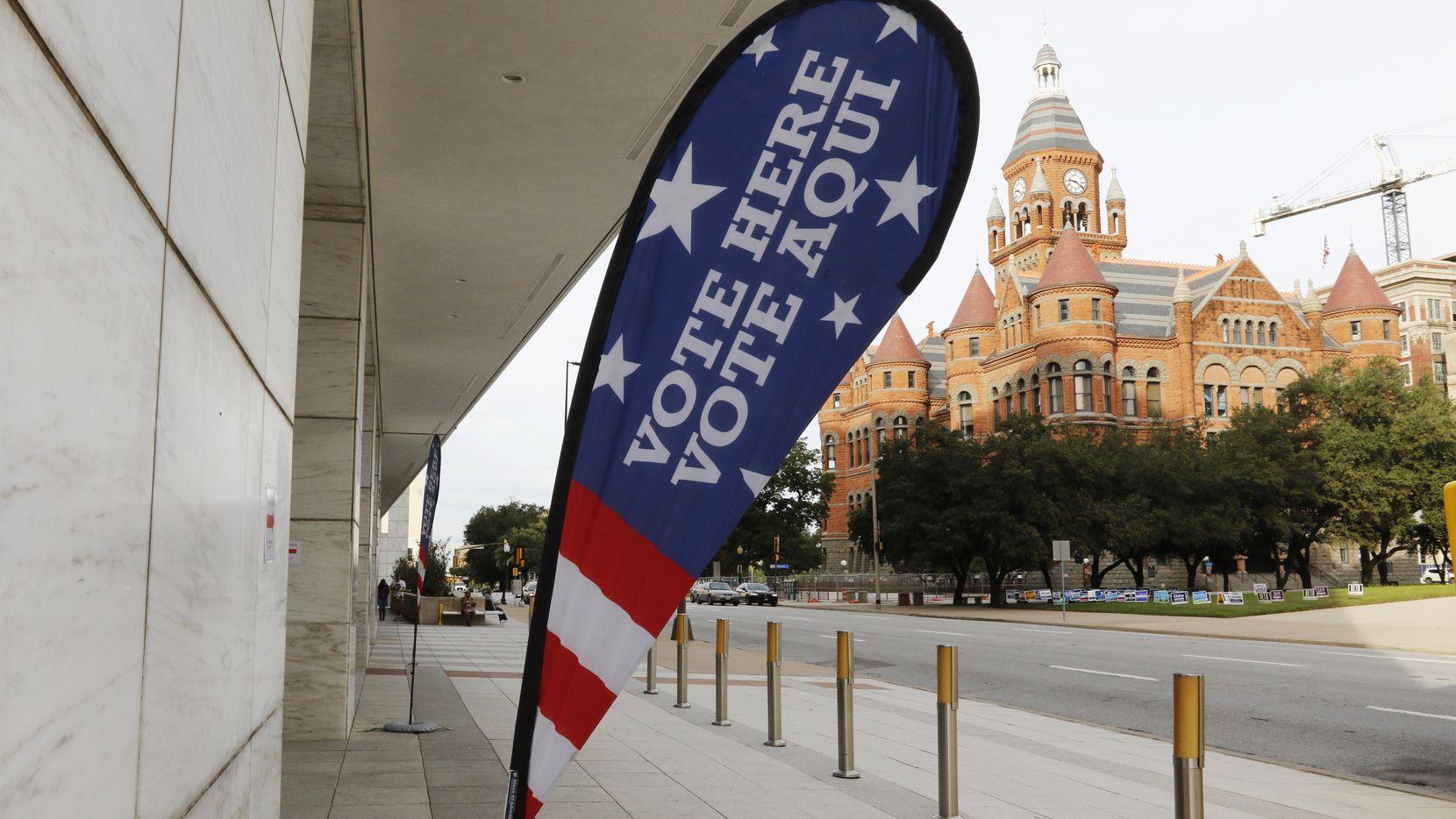 La casilla de votación en el edificio George L. Allen, Sr. Courts del centro de Dallas. (DMN/IRWIN THOMPSON)